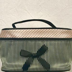 Косметическая сумака Black